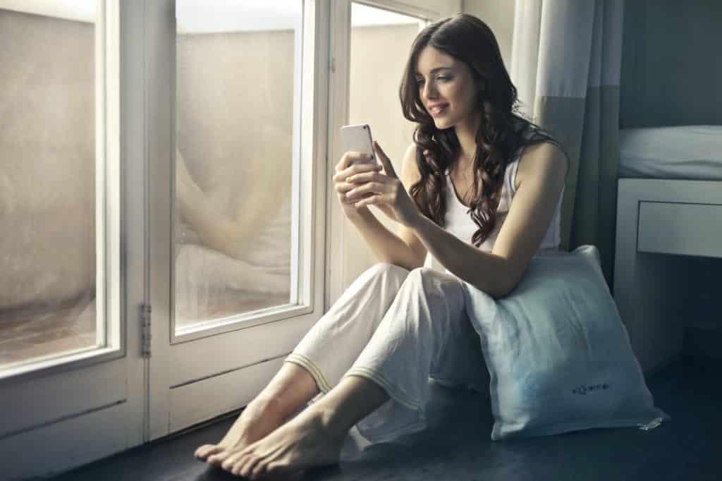 Il messaggio della buona notte nelle relazioni a distanza