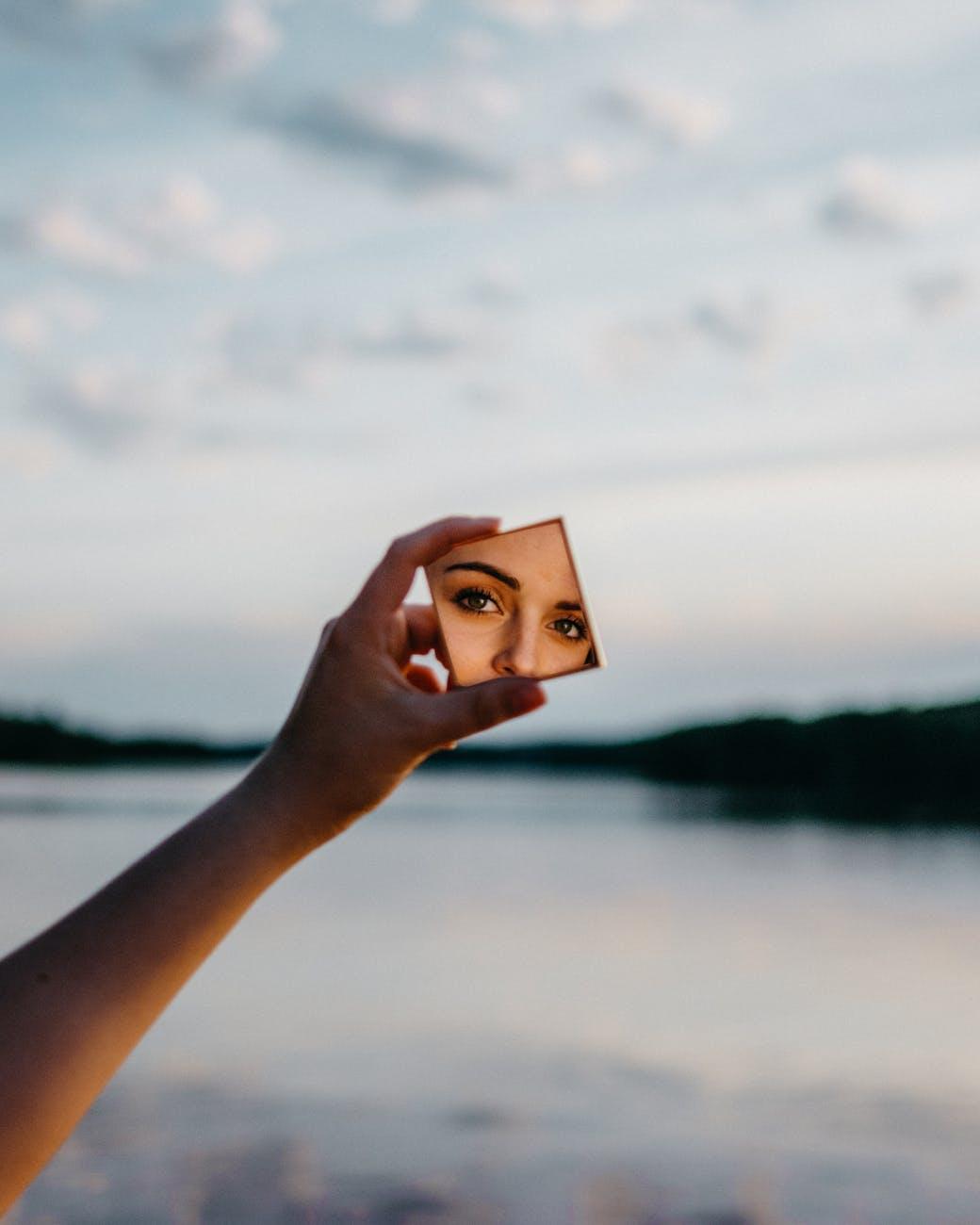 Specchiati e troverai te e la tua unicità
